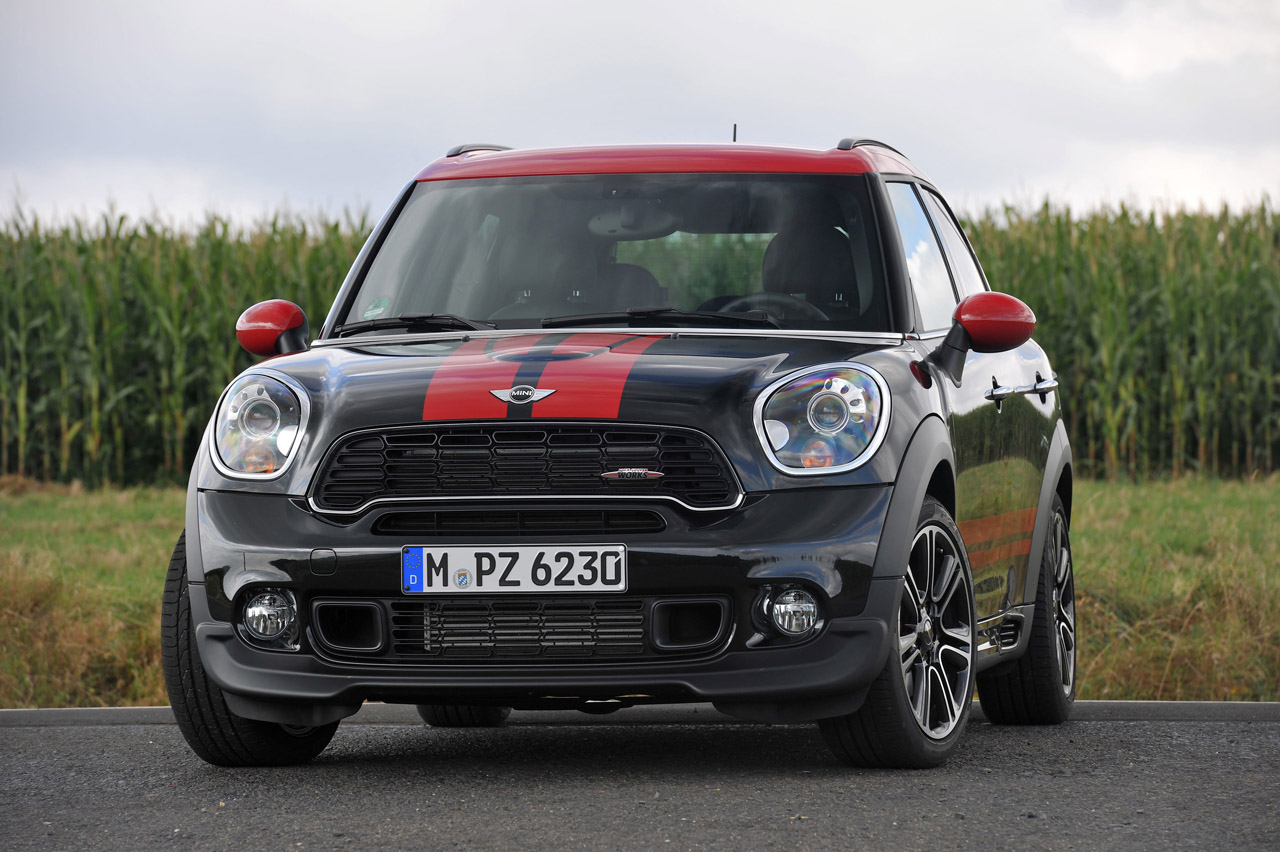 110-2013-mini-jcw-countryman