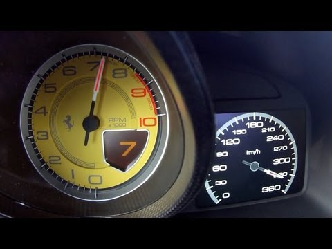 Podívejte se, jak zrychluje Ferrari Berlinetta