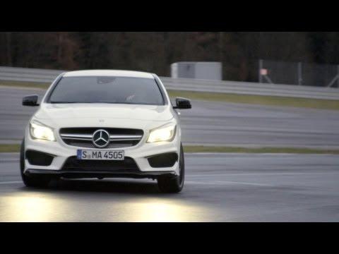 Video: Mercedes CLA 45 AMG na závodní trati