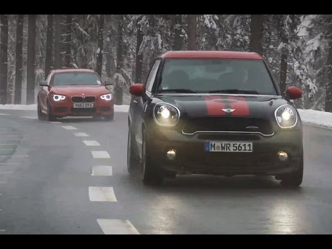 Video: Mini Paceman JCW vs BMW M135i